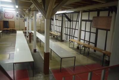Tische Börse aufgebaut