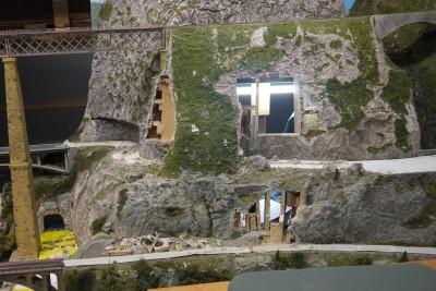 Felswand Unterbau Anpassungen